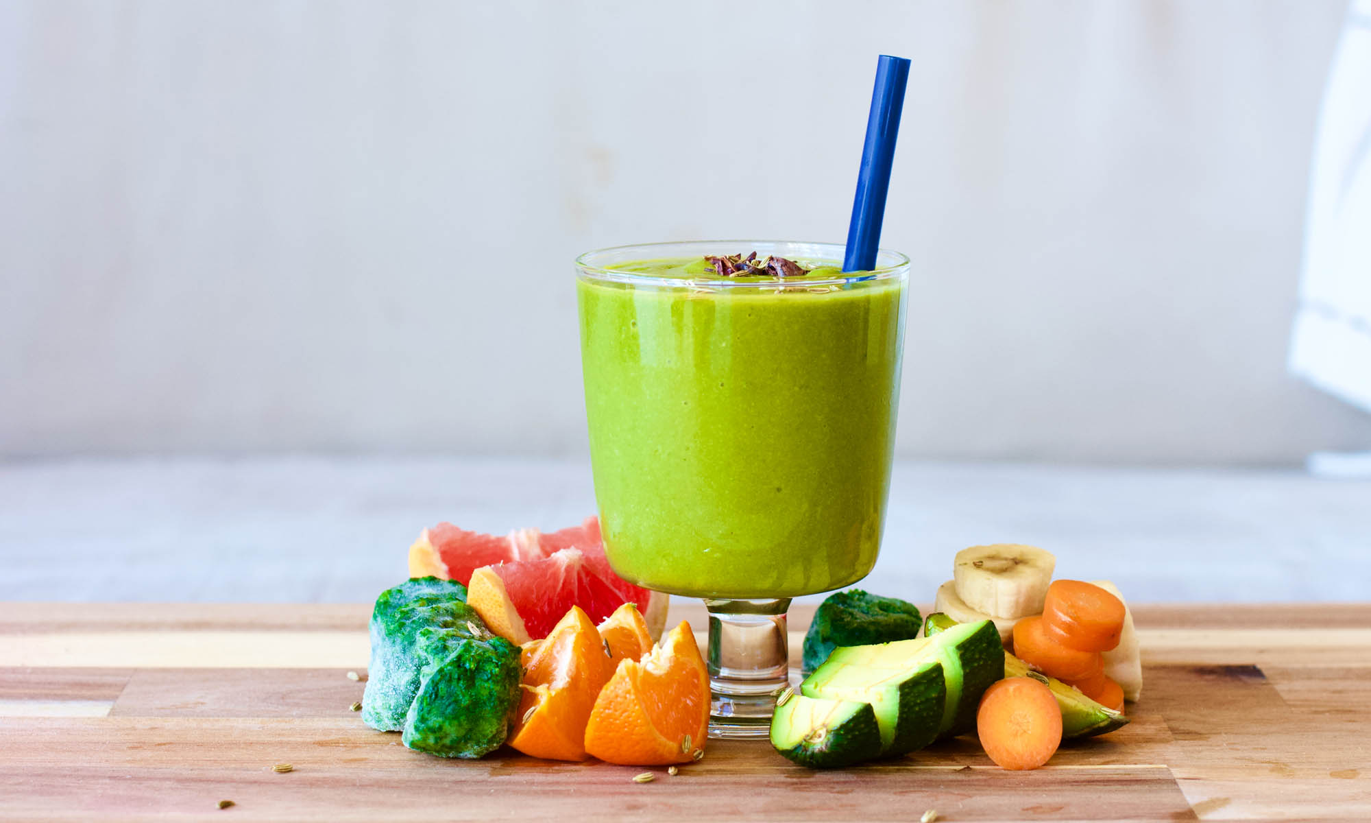 Avocado, Spinach and Grapefruit Green Smoothie Rocket