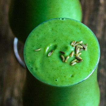 Two glasses with a delicious green smoothie