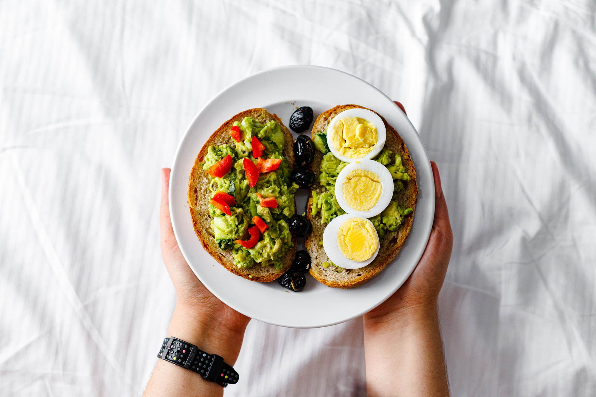 Healthy 5-Minute Guacamole on Bread